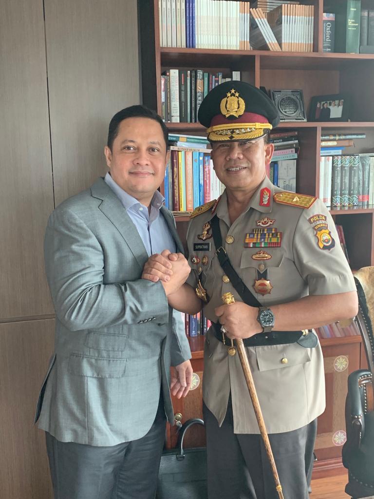 Bersama BRIGJEN Drs Supratman (Kepala Kepolisian Daerah Bengkulu).
